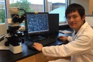 Teng Li in the lab